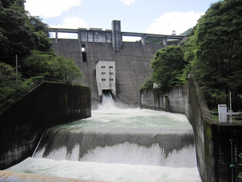 桐見ダムの紹介   高知県庁ホームページ